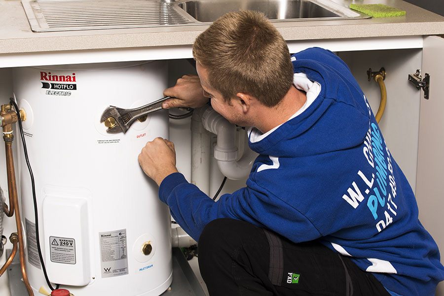 Installing a new electric hot water system